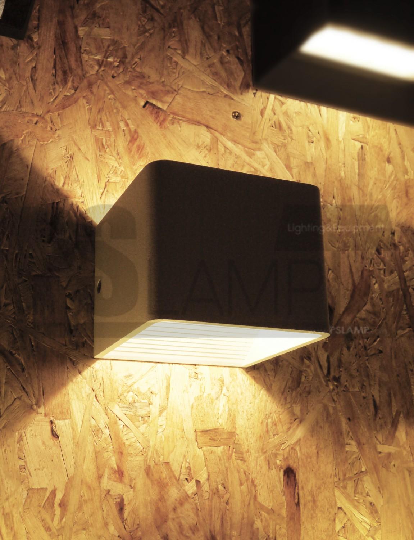 โคมติดผนัง โคมภายนอก โคมไฟ Outdoor RIBBOX-S-WH